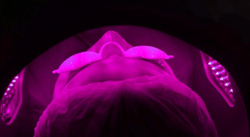GLOSKIN-Oxy-Jet-Light-Face-Therapy